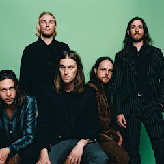 BrokenHandsband