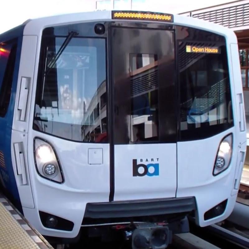 MBTA Silver Line Buses & Logan Airport Shuttles At Term