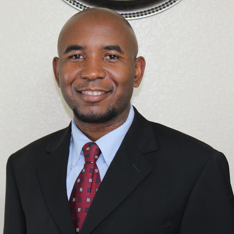 Dr. Kenneth Acha, MD