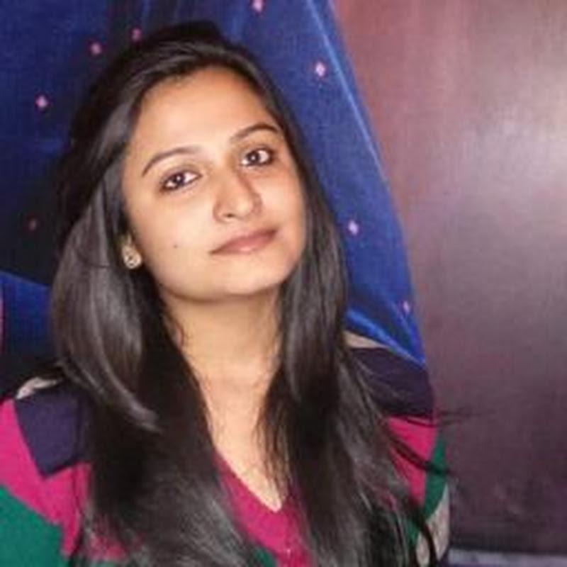 Quirky Woman Shraddha Tripathi