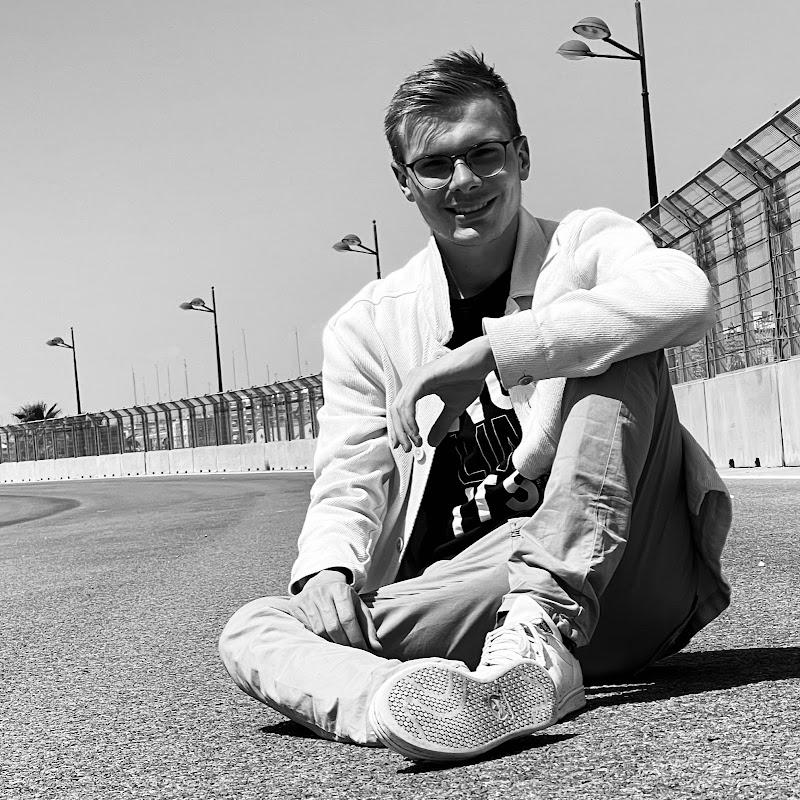 youtubeur Julien le Legoman