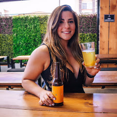 Melis The Girl With Beer