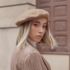 Rebeca Stones