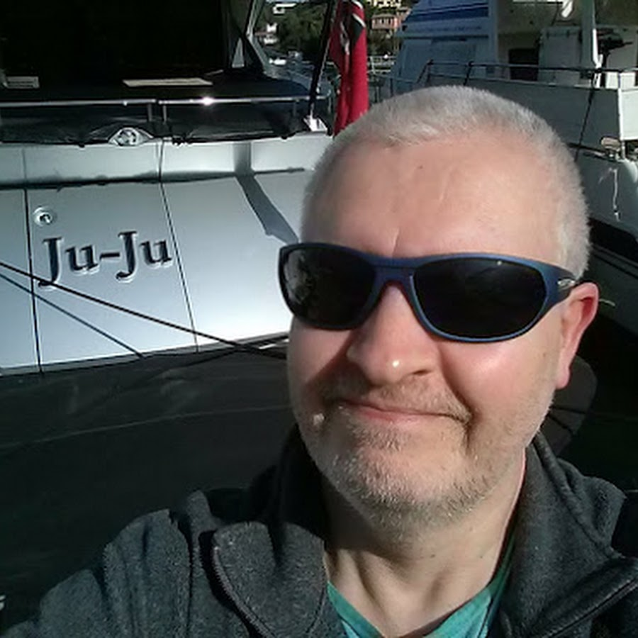 2ebf09e281a Julian Ilett - YouTube