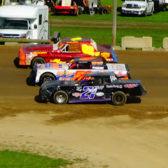 It's Dirt Track Racing