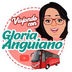Gloria Anguiano paseando por el centro