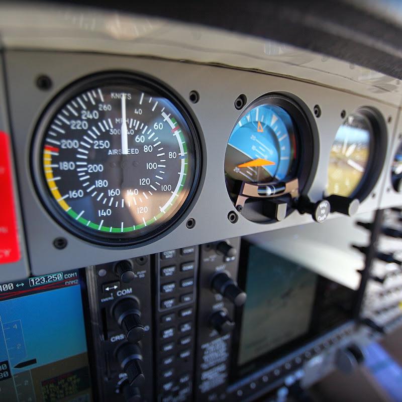 Prepar3D v4 - PMDG 737-700 VOR/DME approch ANYN | Traveler Video