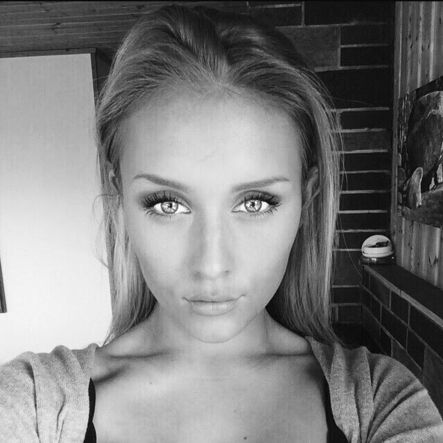 Cleavage Pauline von Schinkel  nudes (19 photos), Instagram, braless