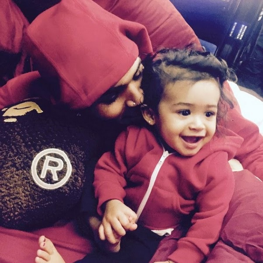 chris brown daughter - 900×900