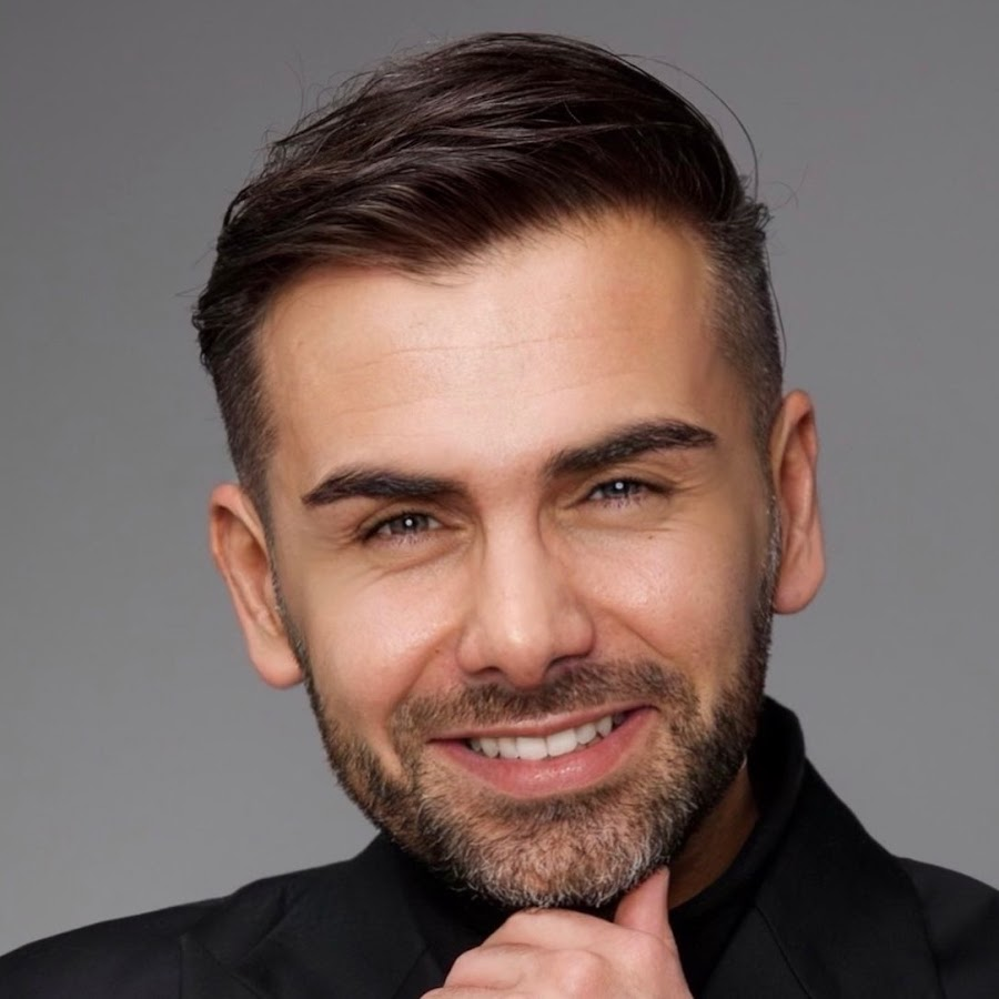 The 35-year old son of father (?) and mother(?) Saygin Yalcin in 2021 photo. Saygin Yalcin earned a  million dollar salary - leaving the net worth at  million in 2021