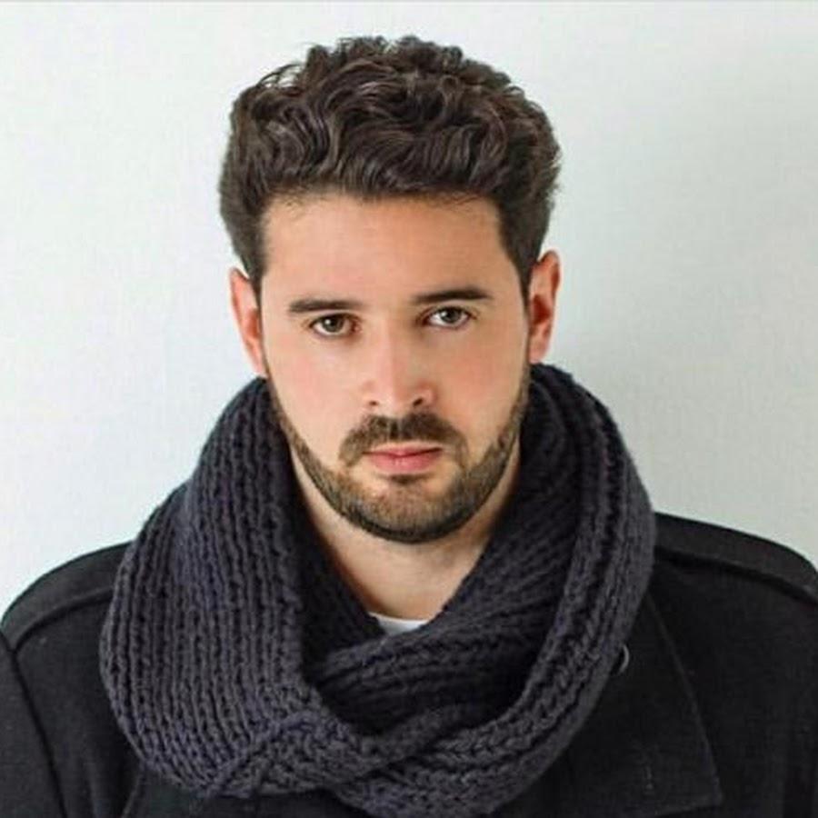 Macho Alfa Oficial - YouTube