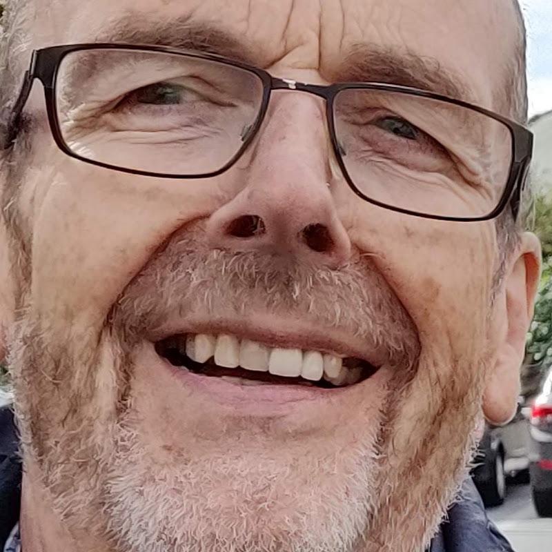 Prof. Dr. Martin Gillo