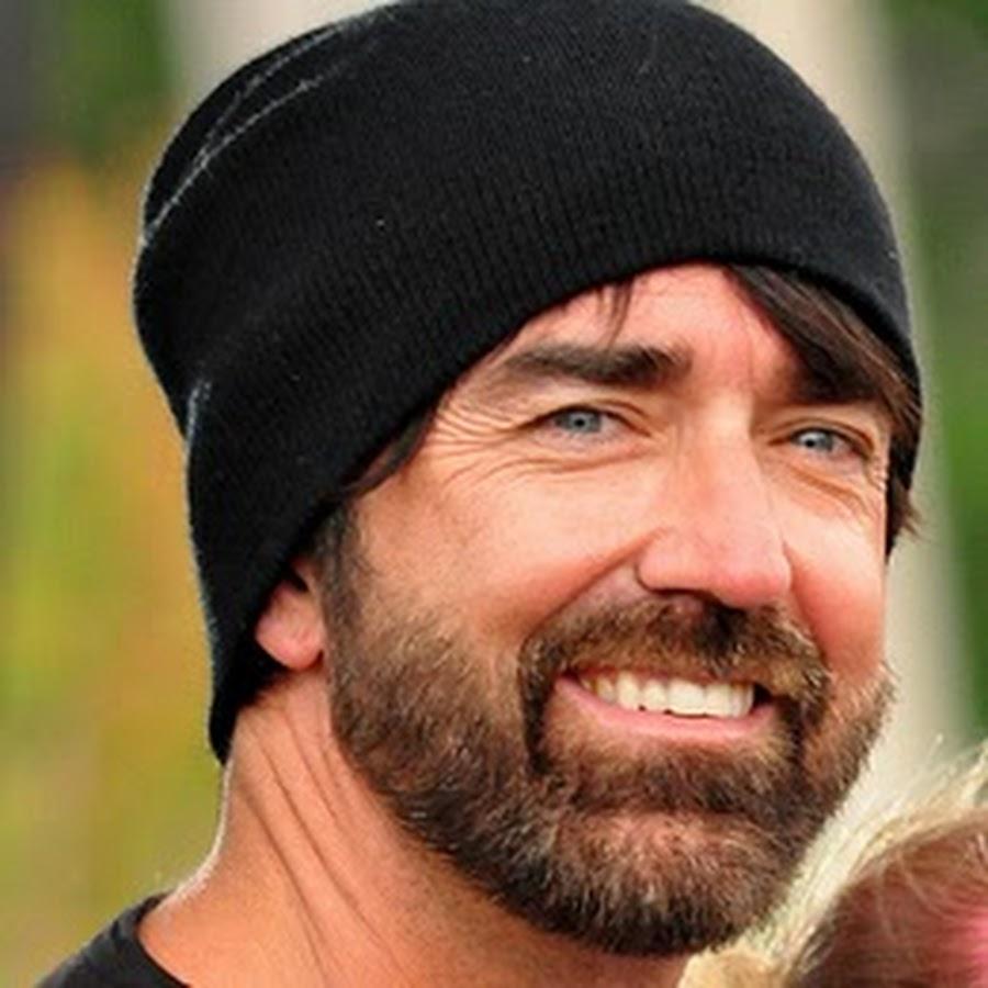 beard guy from walk off the earth youtube
