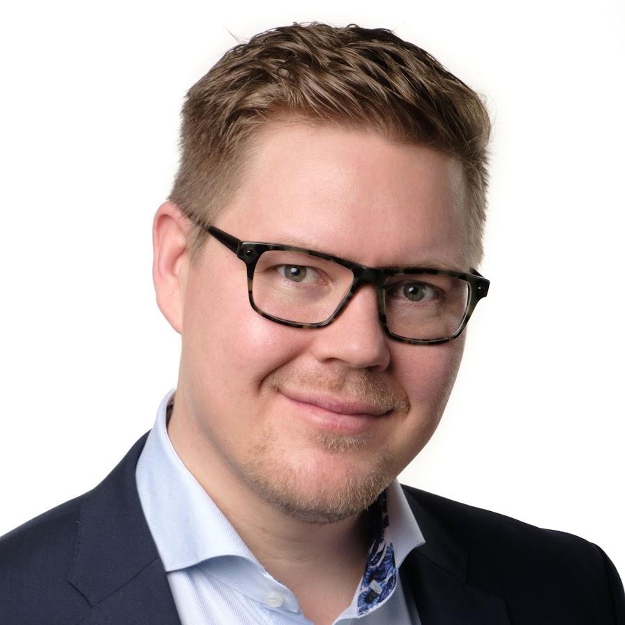 Antti Lindtman Koulutus