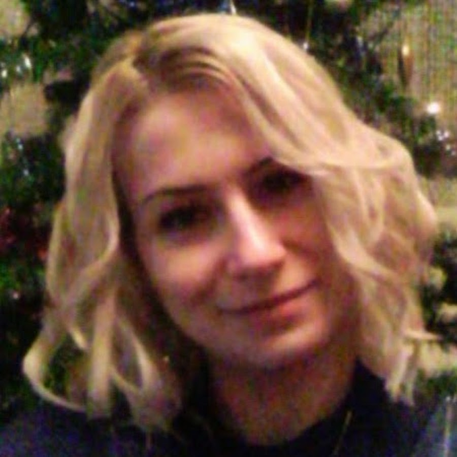 Allyna Crystyna - YouTube