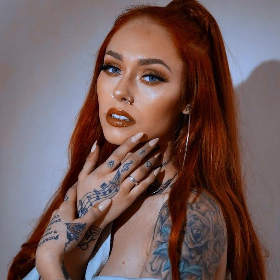 Malina-B-Sexy-Young-Nude-Model