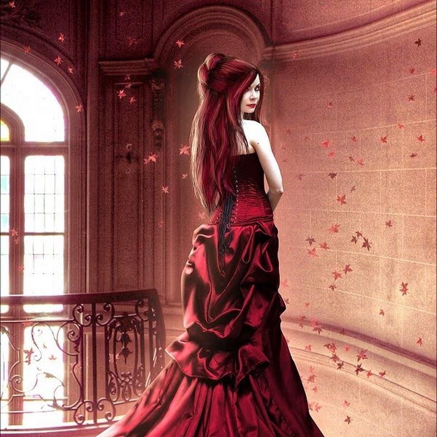 Картинки девушка улыбается в шикарном платье готика