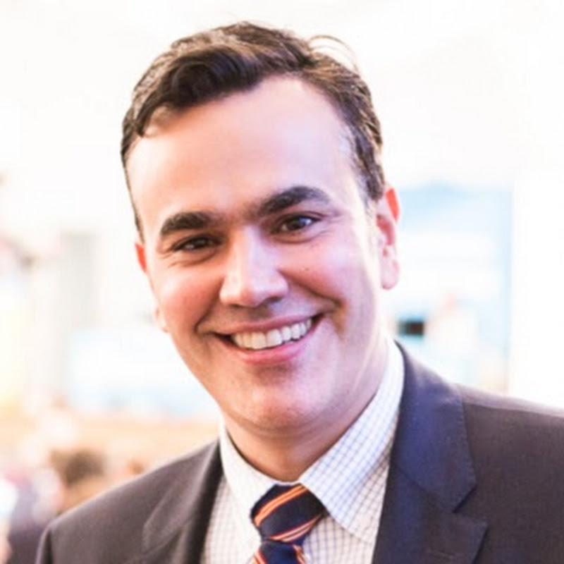 Dr. Stefan Naas