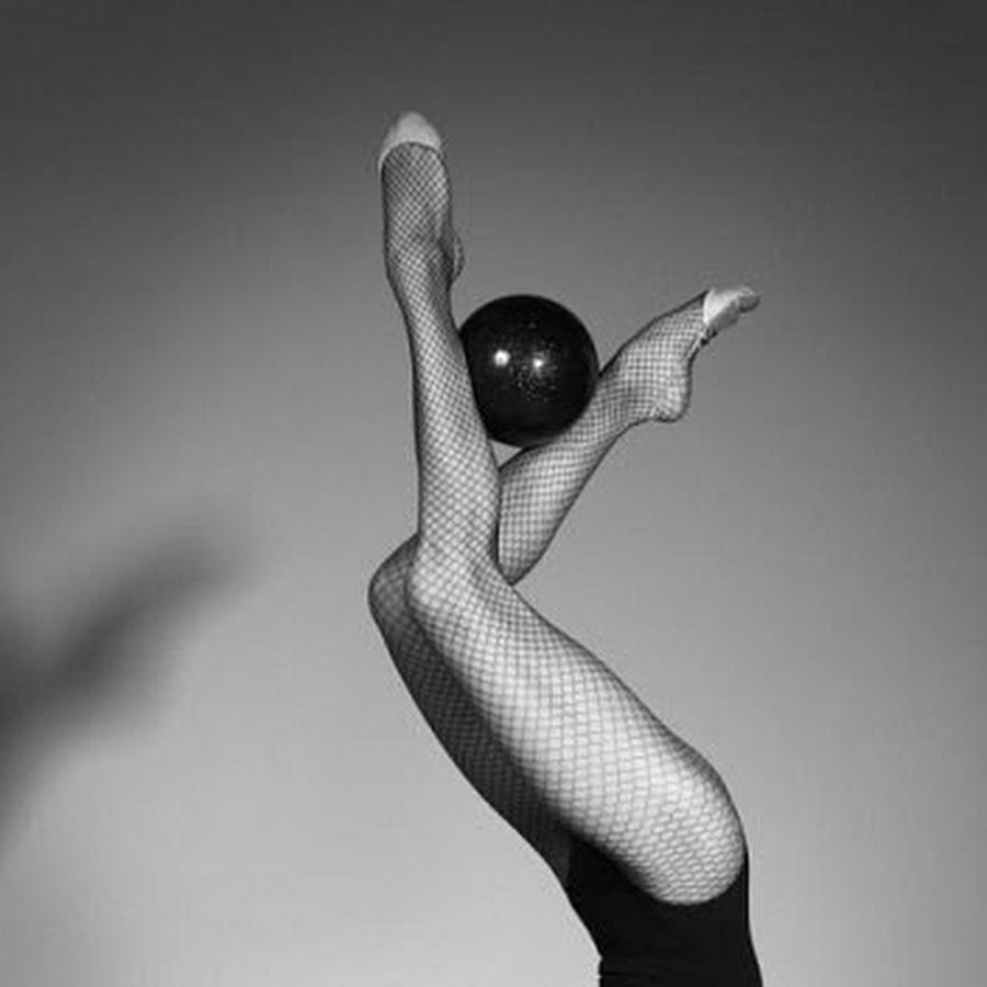 колено болонской фото гимнасток с мячом студийные туфли рекомендуется