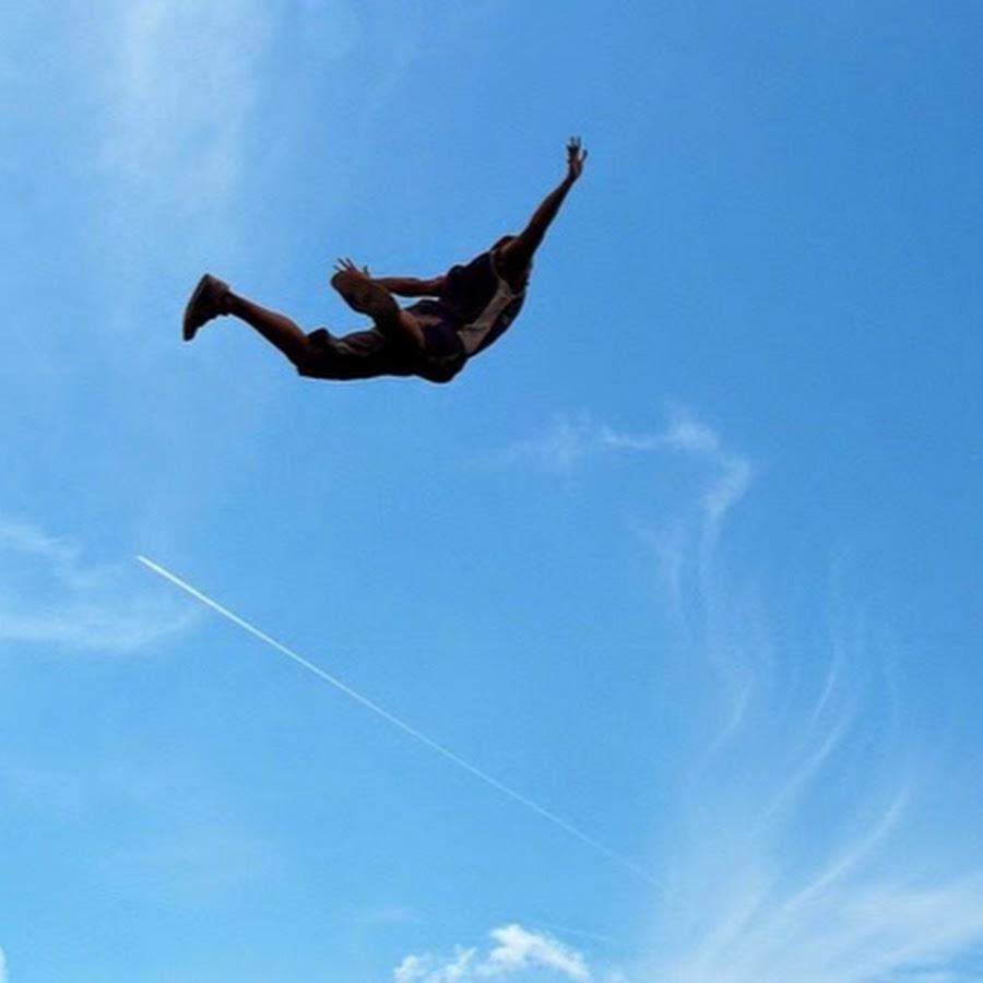 модель широко летать по воздуху фото всего