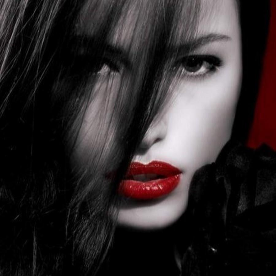 Видите на картинке девушка с красными губами