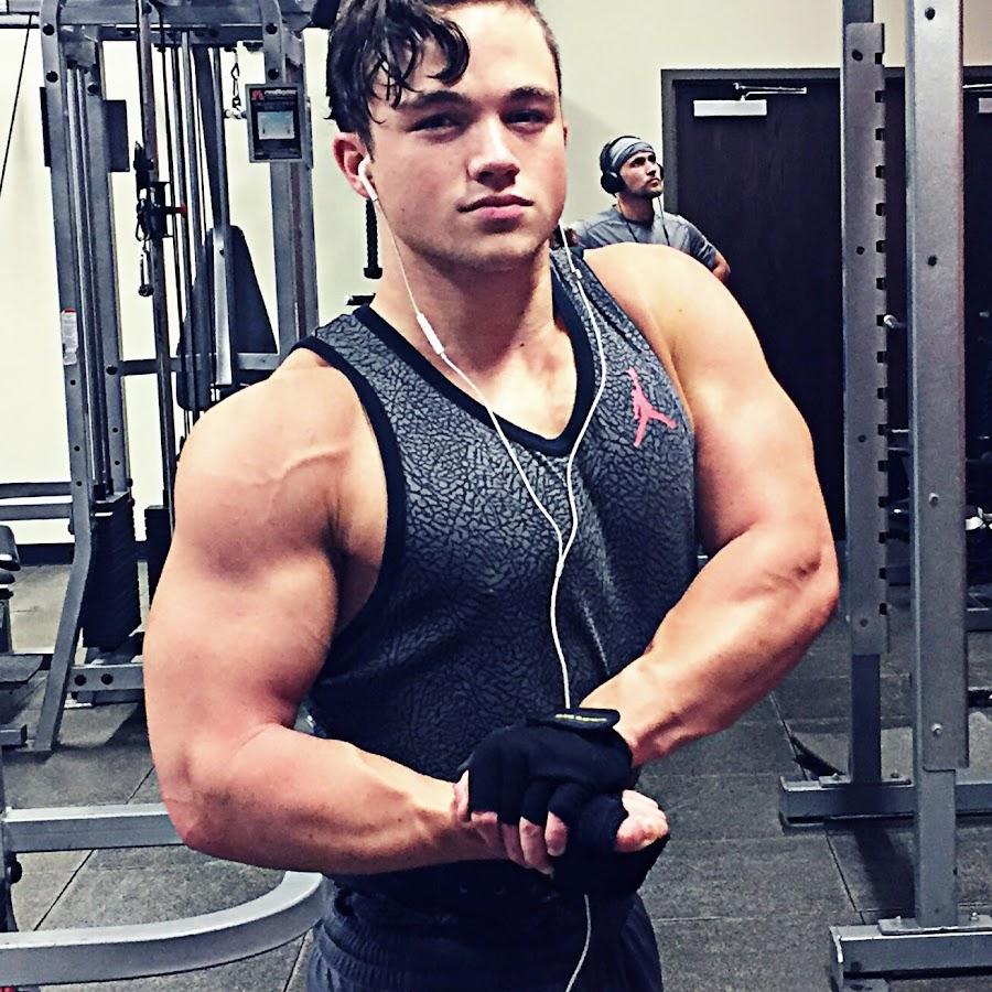 Teen Bodybuilder Nick Medici Pumps Up - YouTube
