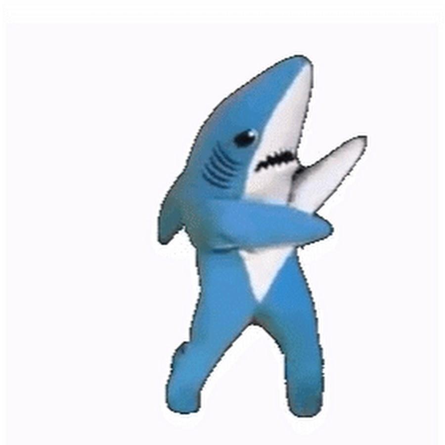 гифка акула тяжелый он
