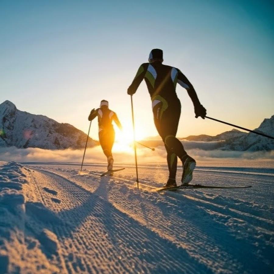 На лыжах летом картинка