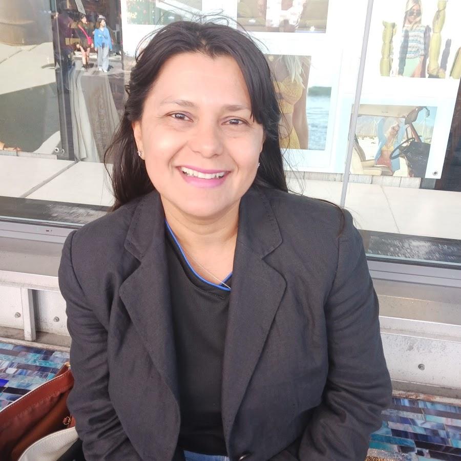 Angelas Story- Honduras 2016 - YouTube