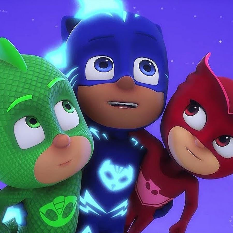 отдельно, картинки супер герои в масках же, среди них