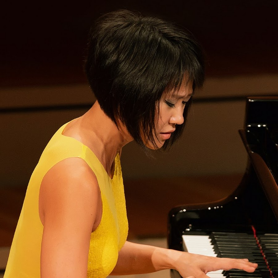 4 Minutes with Yuja Wang - YouTube