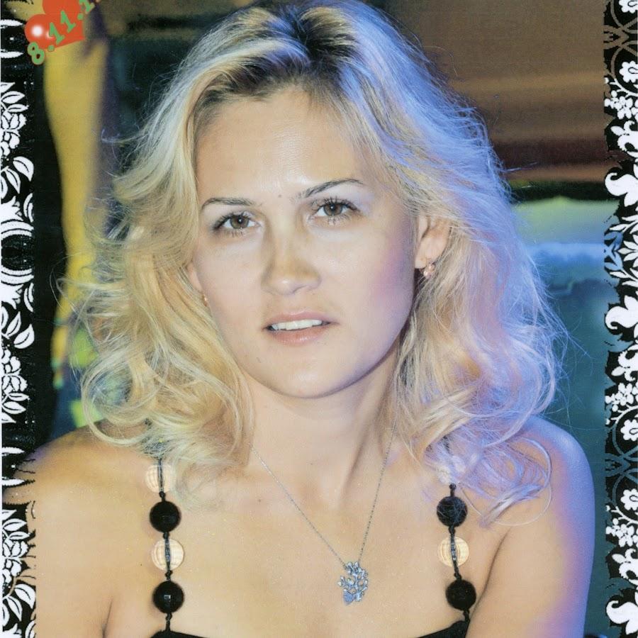 Elena Lev in Alegria - YouTube