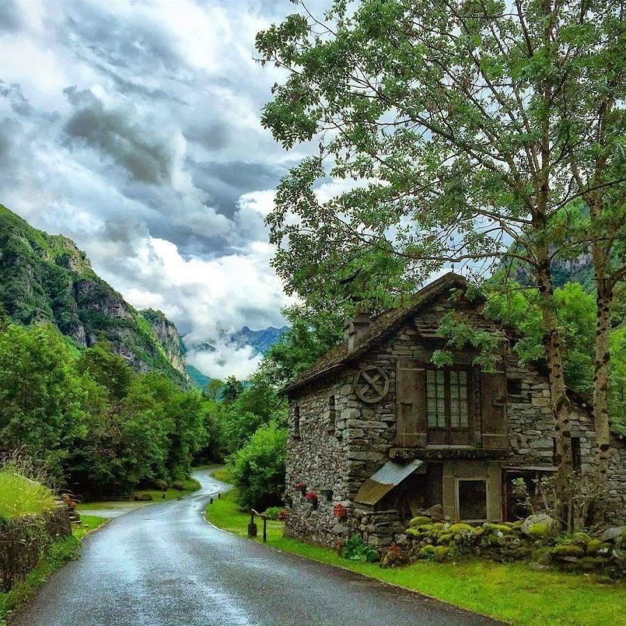 Достопримечательности Швейцарии . Волшебная долина Валлемаджа