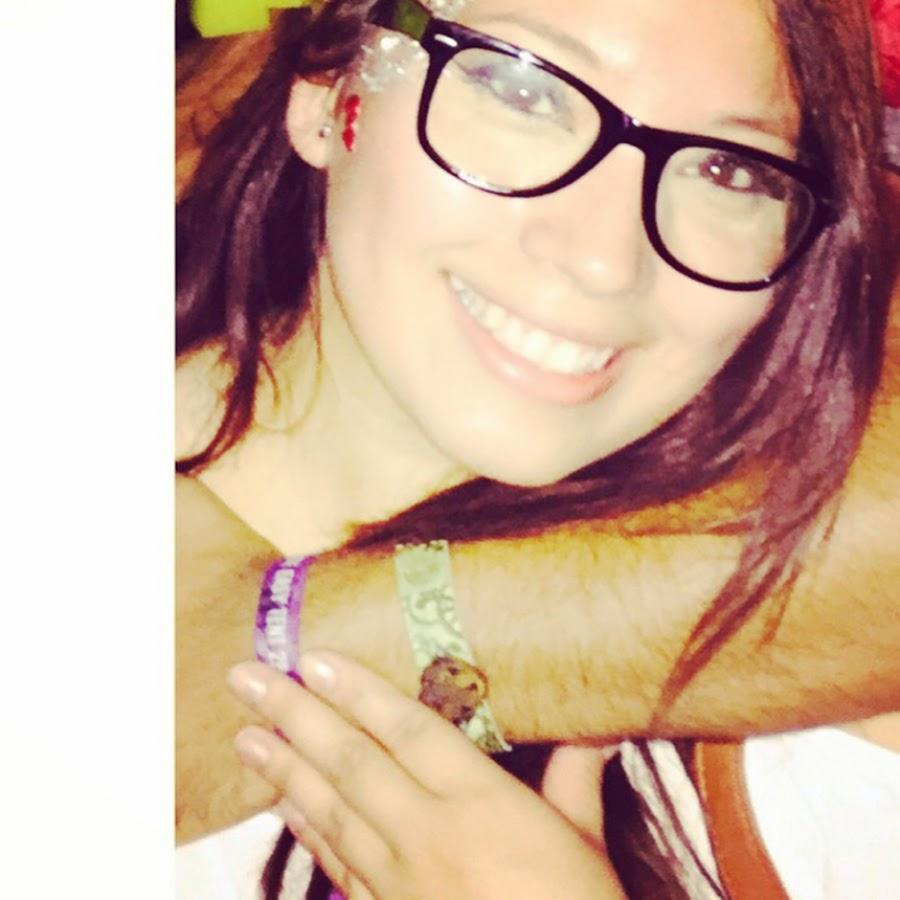 Claudia XO - YouTube