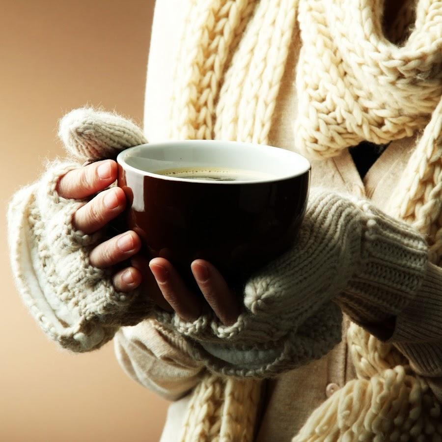 Картинки чашка чая в руках осенью