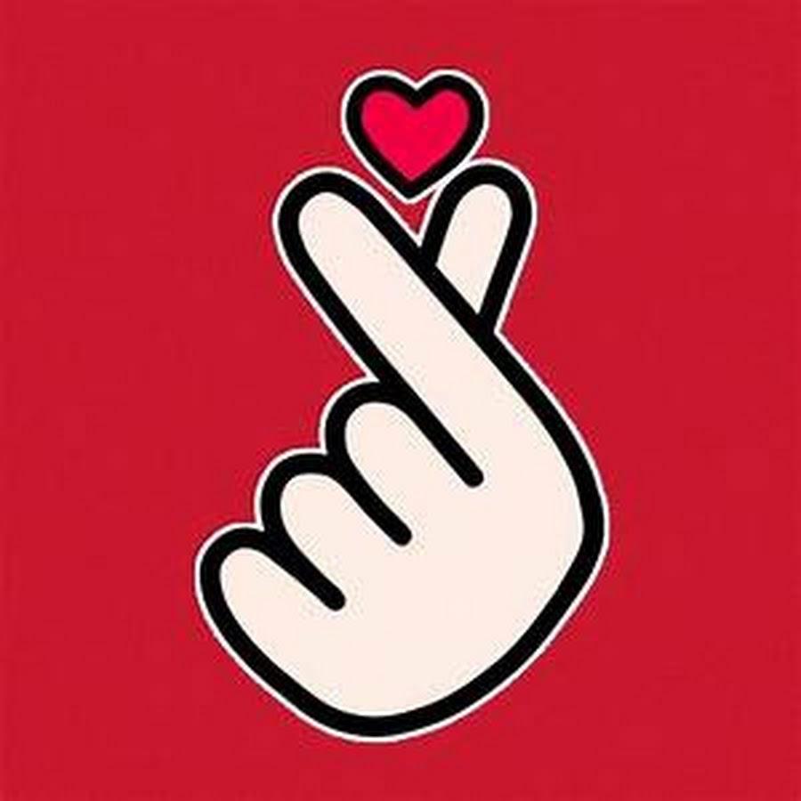 Картинка с пальцами и сердечком