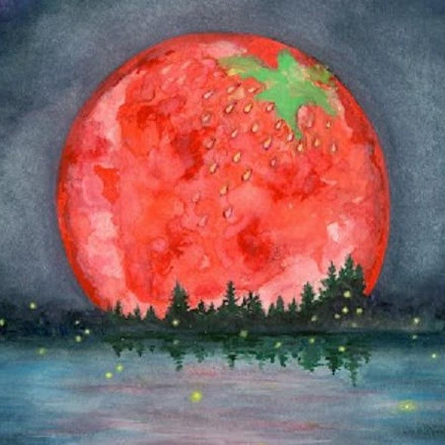 strawberry moon - 900×900