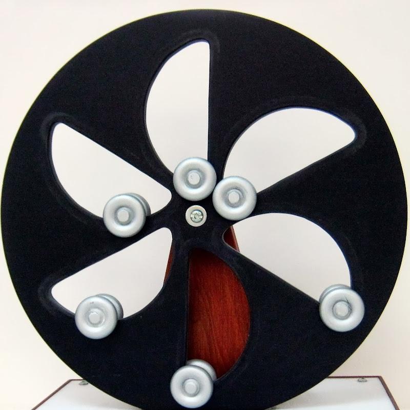 Magnetic Gravity Motor  Movimento Perpétuo | FunnyCat TV