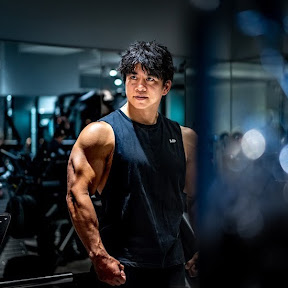 Kevin MuscleBridge ユーチューバー