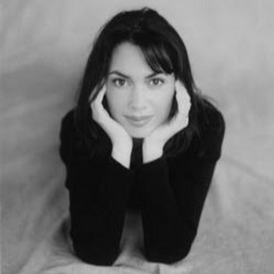 Susanna Hoffs Released & Unreleased Music - YouTube