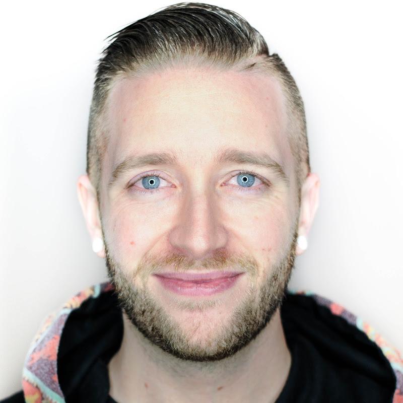 Derek Howe (DavidBrownTV2)