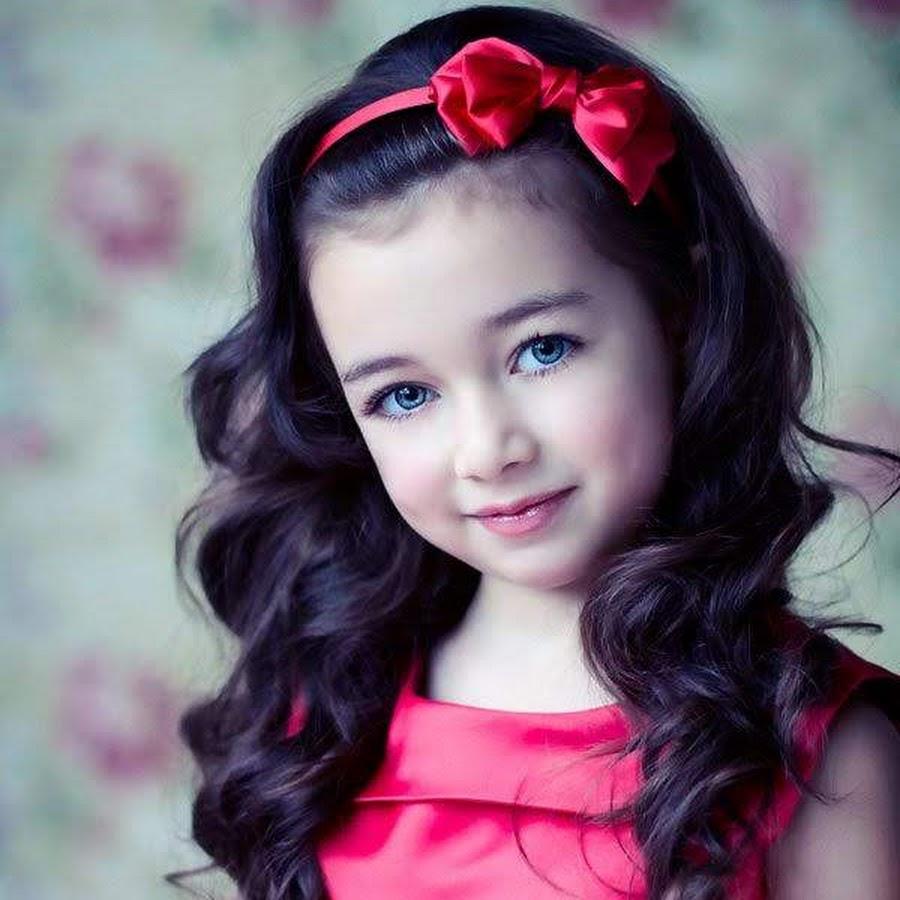 Little girl with black hair — img 5