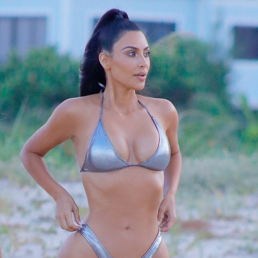 kim-kardashian-bikini-photo-gallery