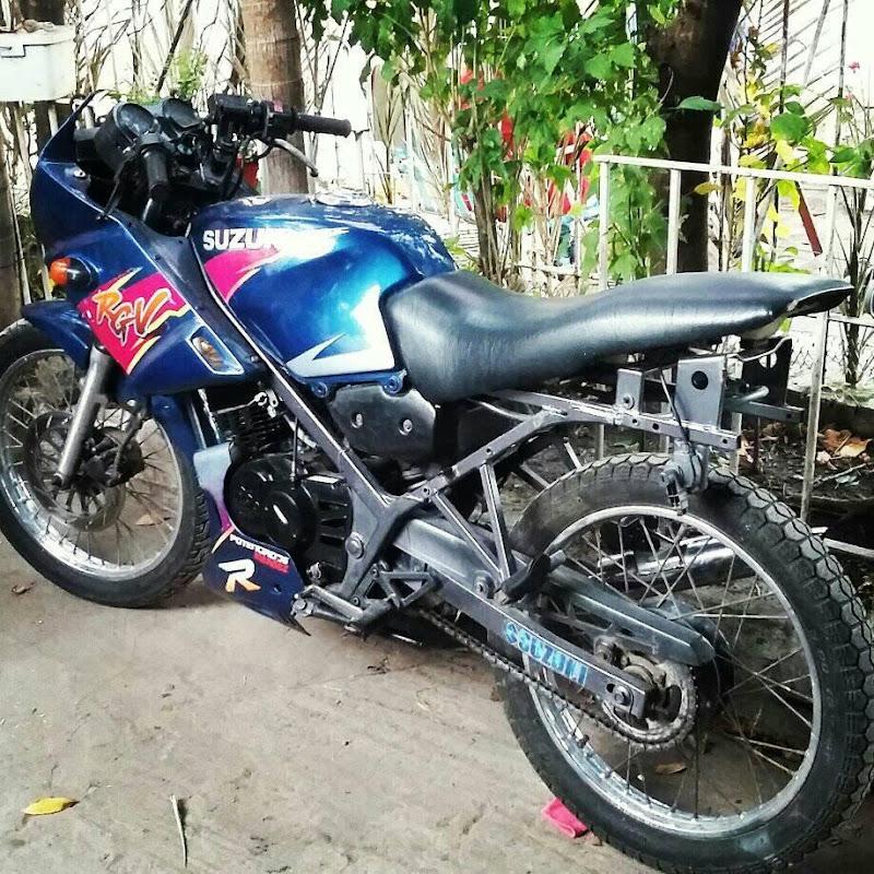 Suzuki ax 100 con escape bennasar   FunnyDog TV