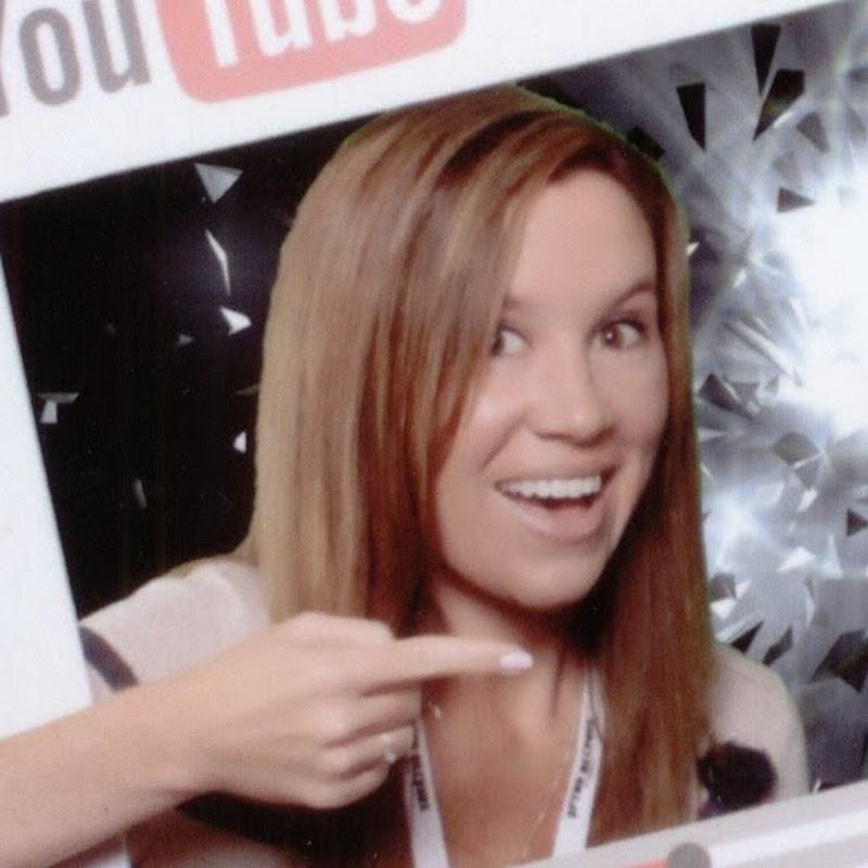Heythatsholly YouTube channel image