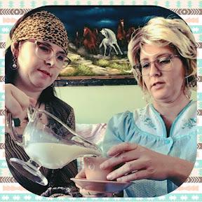 Germaine et Bernadette tricotent