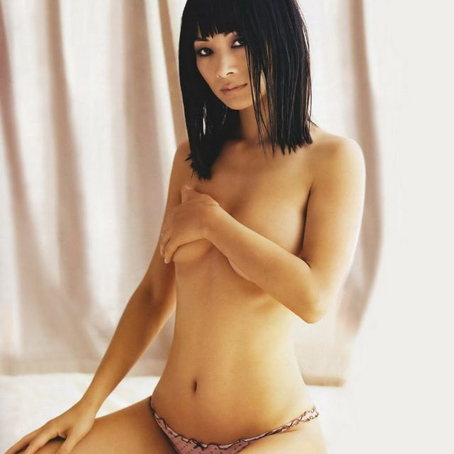 your-ling-knows-nude-tori-from-mythbusters-naked