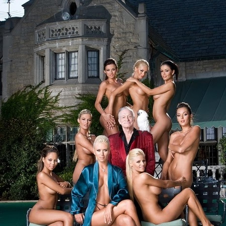 hugh-hefner-fuck-pictures-of-naked-women-giving-head