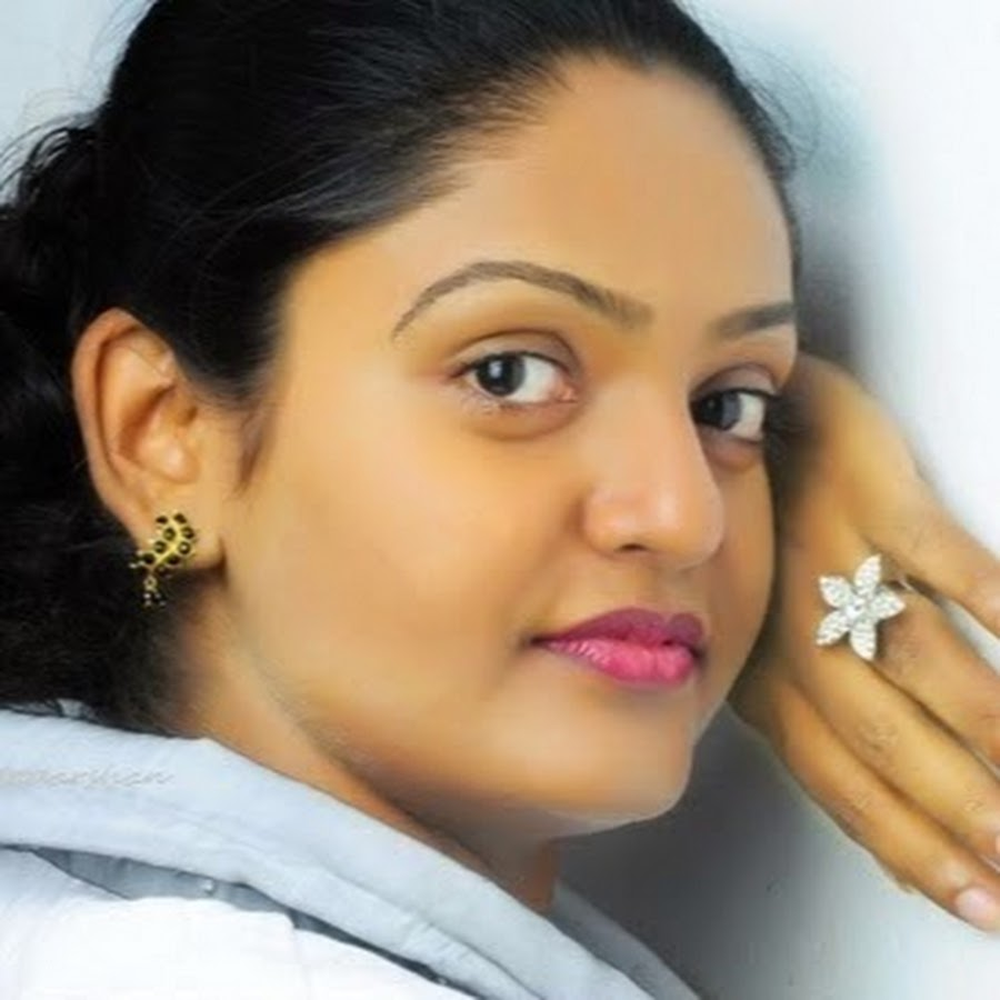 daughter-porn-karutha-muthu-serial-actress-name
