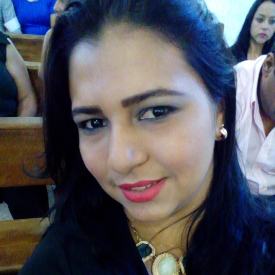 Böser Analsex zwischen der wunderschönen transen Leticia Alves und einem Mann